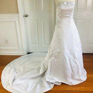 DAVID'S BRIDALS Michelangelo Wedding Dress Size 6